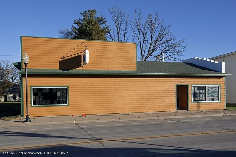 1763911, Commercial Building with 4 bdrm home attached